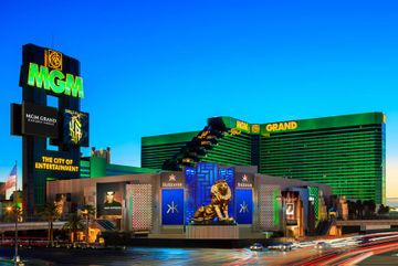 #Hotel: MGM GRAND, Las Vegas, Nevada, . For exciting #last #minute #deals, checkout #TBeds. Visit www.TBeds.com now.