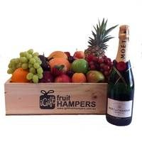 Moet Gift Hamper with Fruit  www.igiftfruithampers.com.au  #fruithampers #fruitgifts #giftsformen #luxurygifts #mangifts #freeshipping #hampers #gifthampers #giftsaustralia #moet #champagne #luxury #luxurygifts