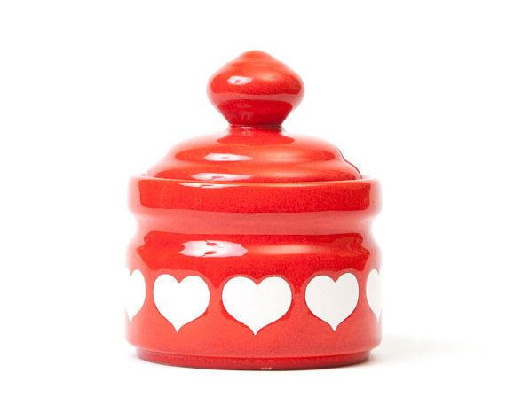 valentine red pantone