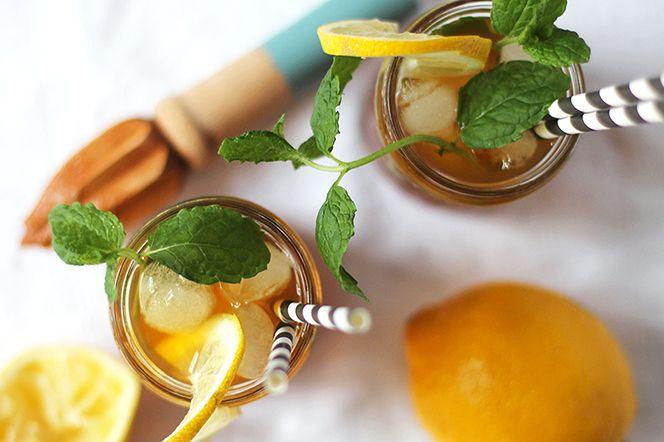 Rooibos-iste med lakrits. Det perfekta isteet för alla larkitsälskare! Med inslag av citron får teet en frisk ton som släcker törsten på ett ljuvligt vis.