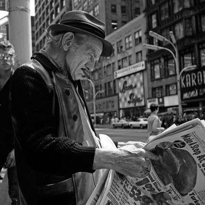Read Newspaper, Vivian Maier