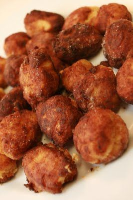 Finger-licking Chicken & Potato Balls - Baby Friendly, Annabel Karmel. Make mine to look like chicken nuggets. Bake don't fry, and very very freezer friendly.