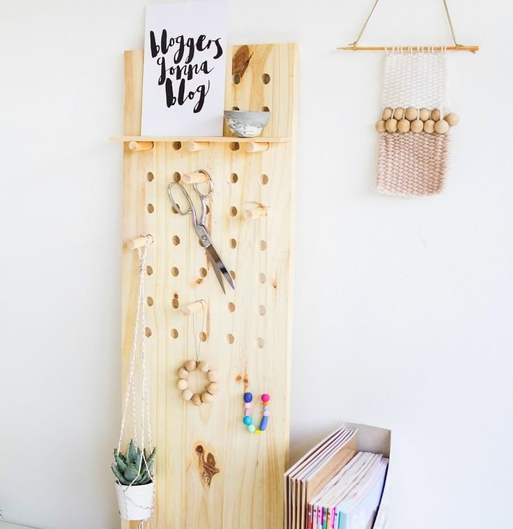 Lochplatte aus Holz für Schmuck oder hängende Zimmerpflanzen