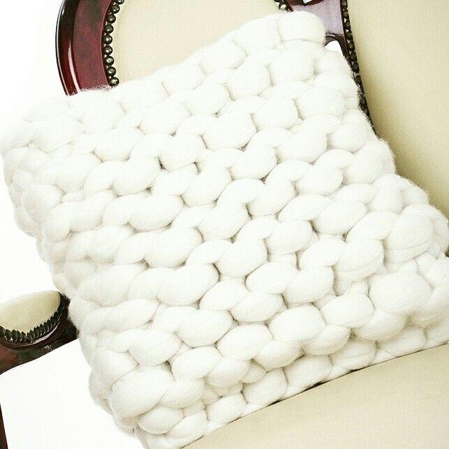 Cushion in cream merino giant yarn