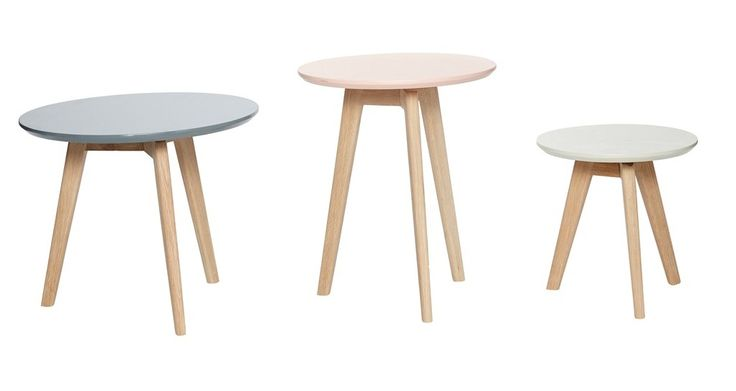 Round oak bord från Hübsch hos ConfidentLiving.se