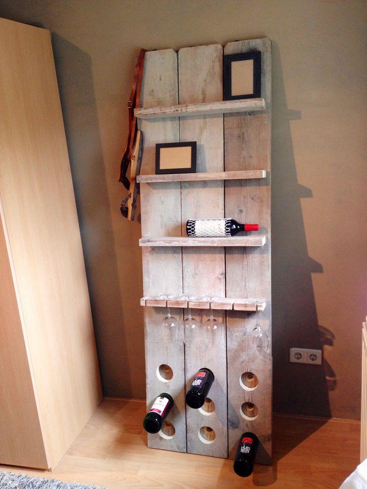 Wijnrek/ wandbord van steigerhout