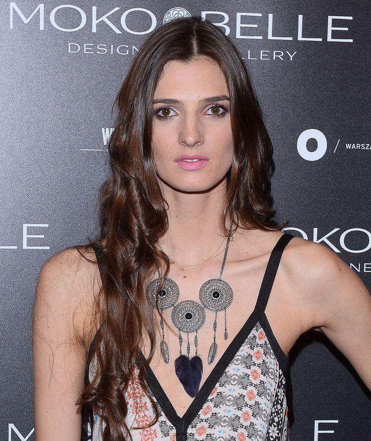 Kamila Szczawińska w biżuterii MOKOBELLE #mokobelle #mokobellejewellery #jewellery #jewelry #bransoletka #lifestyle #bijou #stars