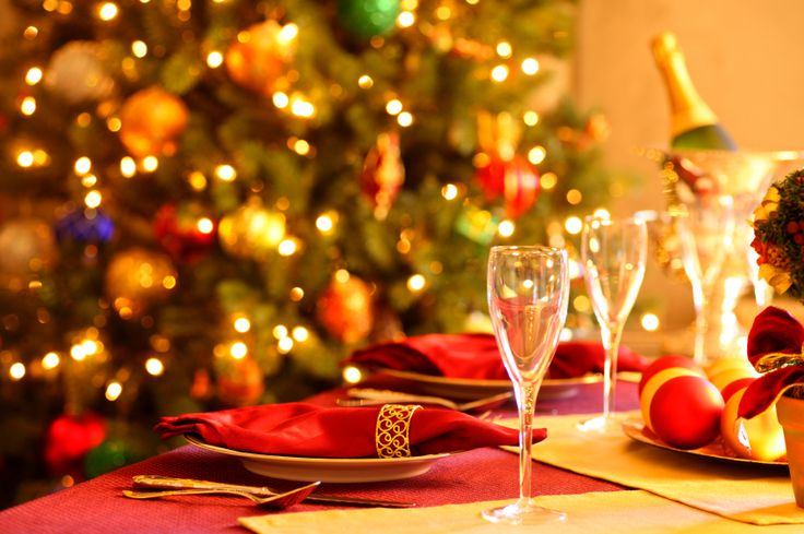 Adding a Christmas tree to the Dining room - Elegant holiday decor