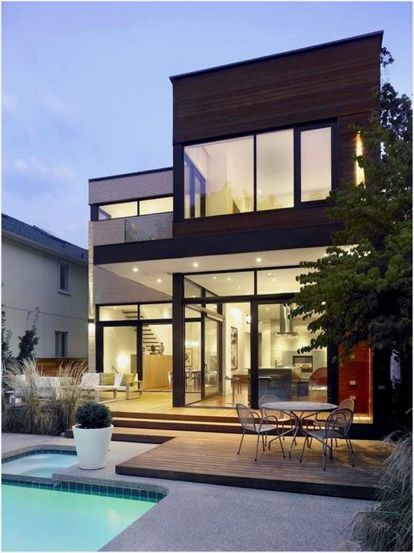 This Imposing Strong Modern Residence Strong Was Designed By Superkul Architects And Is Located In Toronto Canada According To The Architects Split House