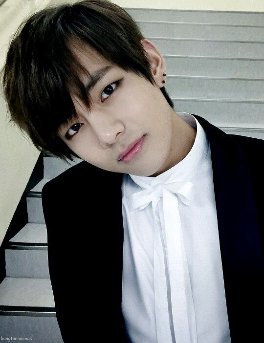 32 Best Kim Taehyung Images On Pinterest Bts Bangtan Boy