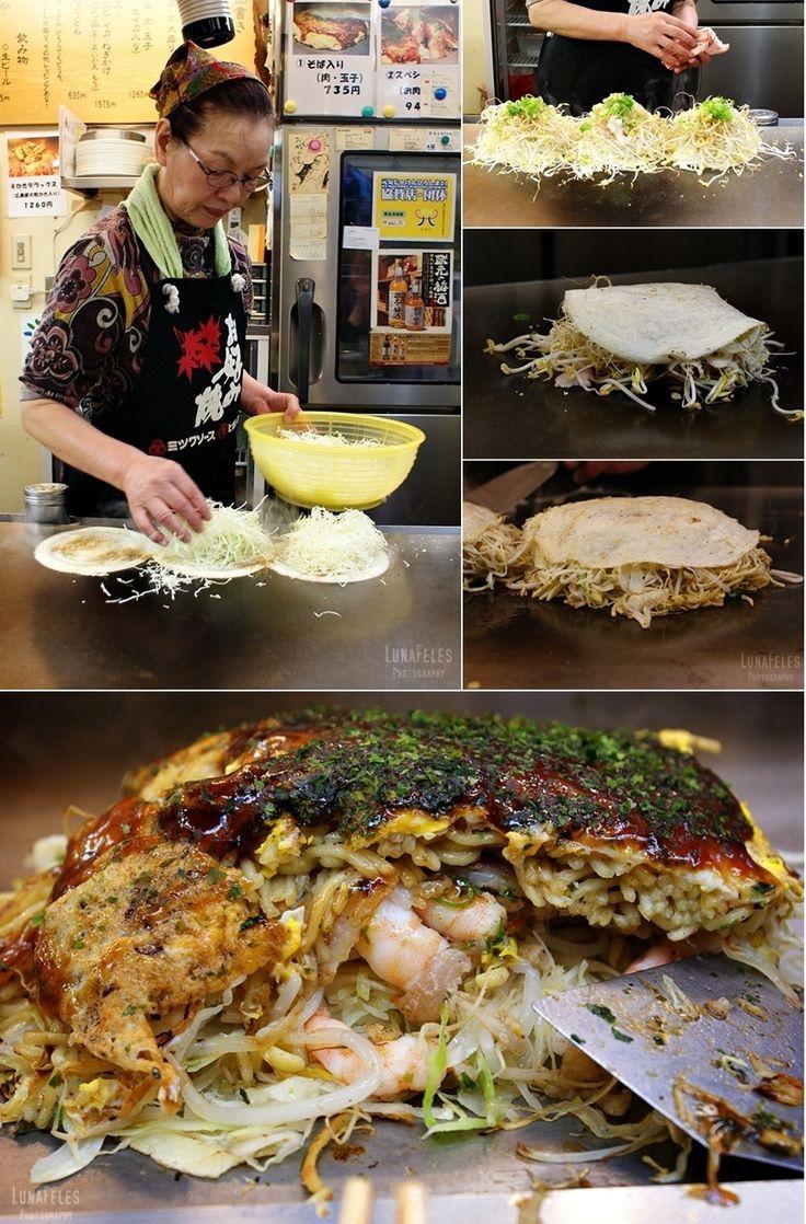 Japon - Hiroshima - Okonomiyaki (pâte, chou râpé, oignons, sauce à okonomiyaki, légumes, huitres, crevettes ou ce que vous voulez).