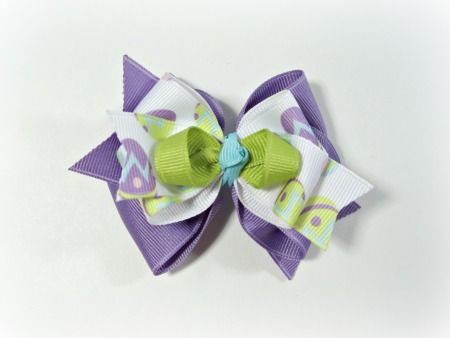 So cute!  I want to make this with a cupcake ribbon