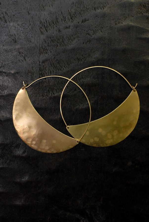 LILA RICE Large Crescent Hoops