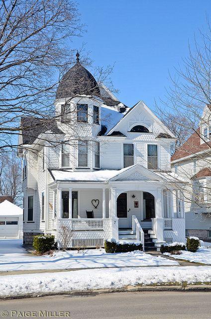 Queen Anne style architecture on Summitt Street in Batavia, New York