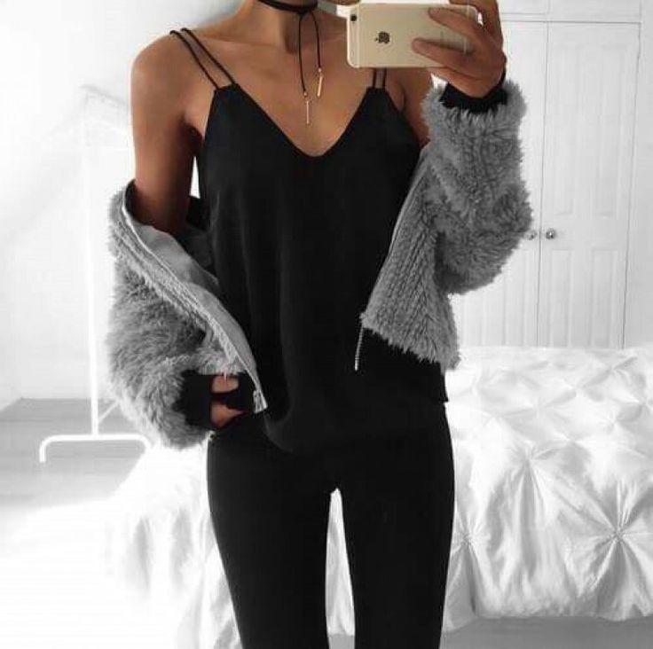 À la recherche du look parfait pour cet automne ? Le combo cardigan caraco est ce qu'il vous faut !