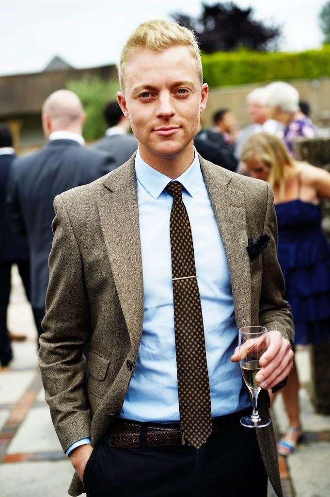 Men 39 s brown wool blazer light blue dress shirt black for Best wool shirt jackets