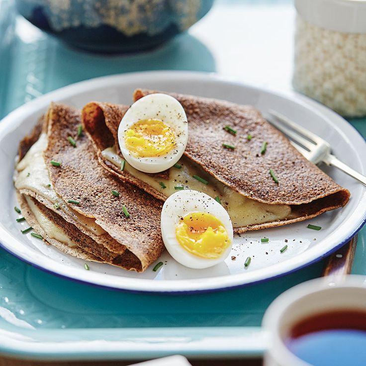 Crêpes de sarrasin au gruyère / Bon à savoir, le sarrasin est l'une des céréales les plus nutritives. Et il permet de transformer ces crêpes en une recette sans gluten!