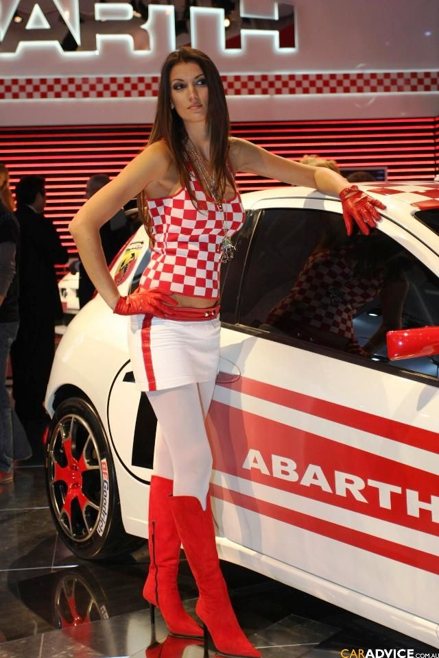 Japanese Girl Jeans Wallpaper Fiat Girl Catrinel Menghia And Adriana Lima Car Show
