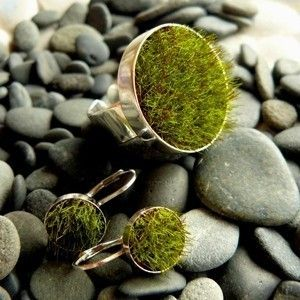 @Jane Wang inspired me on this findStyle, Moss Earrings, Earrings Medium, Jewellery, Awesome Moss, Adornment Jewelry, Gathering Moss, Fuckin Grass, Moss Jewelry