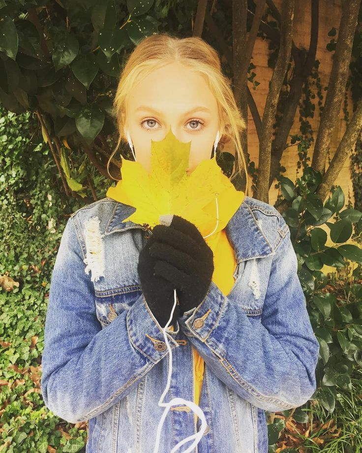 Christmas eve       tags #fall #winter #leaf #jeanjacket #singer #skng #singing #dance #dancer #dancing #act #actor #actress #acting #happy # # #love #ddokids #model #modeling #philly #callifornia