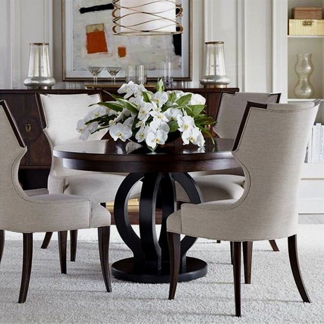 4 Centerpieces For Kitchen Table Everyday Round 33 Decorinspira Com Round Dining Room Table Round Wood Dining Table Round Pedestal Dining Table