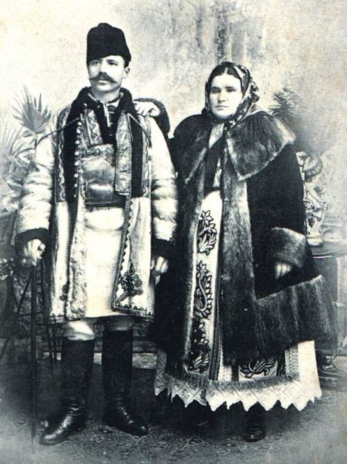 """Fashion"" in Oltenia region before the year 1900"