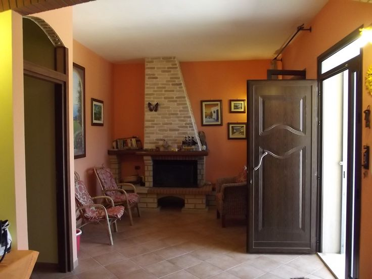 """On the outskirts of Brindisi, in the district MONTENEGRO, the Agencies DOMUS Realty and the """"Luigi Capeto Real Estate"""" offer for sale this beautiful villa completed in 2011."""