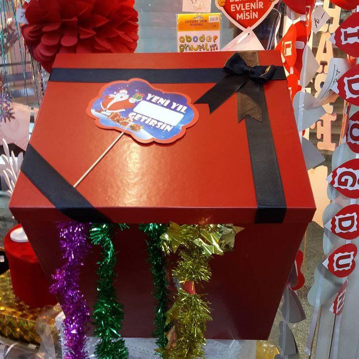 """10 Beğenme, 3 Yorum - Instagram'da @corner.kutu: """"Yılbaşı  Hediyeleriniz için büyük  kutular #kutu #hediyelik #hediye #yılbaşı #gift #cornerkutu…"""""""
