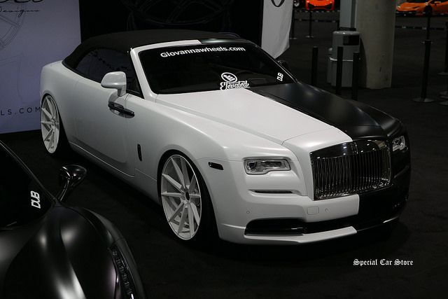 Rolls Royce - Verdi by Giovanna Wheels at the LA Auto Show Garage Hall of Customizations 2016 http://www.specialcarstore.com/content/la-auto-show-changing-gears-colors-and-minds