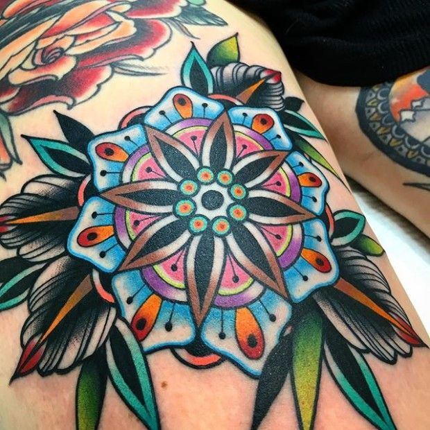 18 Exquisite Geometric Flower Tattoos