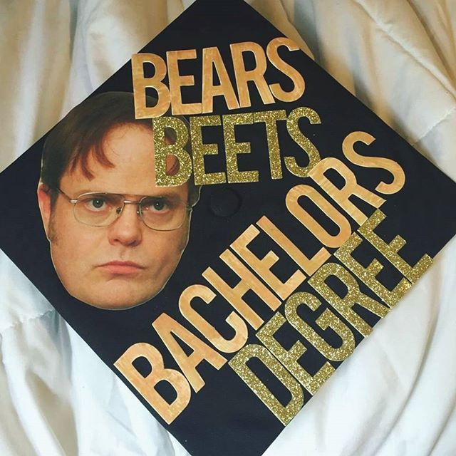 Check out this amazing grad cap from @_summerfreeze I've seen so many Michael Scott ones that it's nice to see Dwight on there  #TheOffice #DunderMifflin #DwightSchrute #Graduationcap