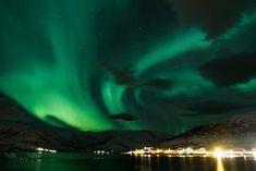 Trucos y consejos para fotografiar la aurora boreal, el espectáculo natural nocturno visible en los polos de nuestro planeta en época invernal.