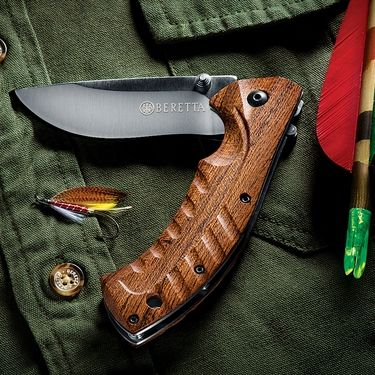 Carry the Beretta Hybrid Field Knife, and Combine the Versatility of a Pocket Knife with the Utility of a Fixed Blade Hunter.