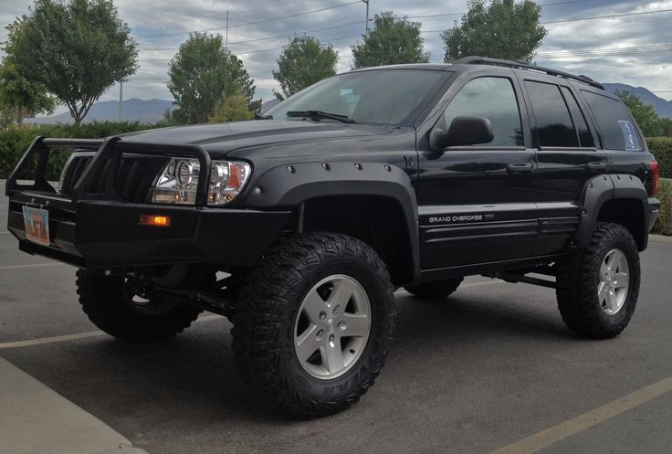 Lifted Jeep Grand Cherokee!! I wish our grand Cherokee looked like this!!!