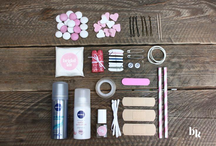 Mit dem BridalKit kommen mehr als 30 Teile in einem kleinen Paket. Charmant verpackt, alles was die Braut begehrt. Gut zu wissen, dass man alles dabei hat. #meinbridalkit www.facebook.com/MeinBridalKit