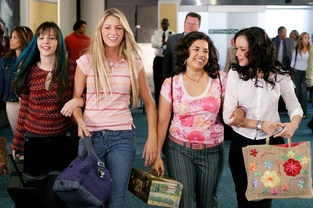 """17 Tremendously Important Lessons """"The Sisterhood Of The Traveling Pants"""" Taught Every Teenager"""