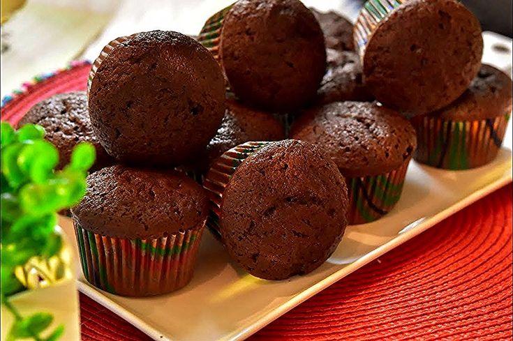 كب كيك شكولاته الغني من انجح وصفات الكب كيك تابعو الفيديو حتى تعرفه ا In 2020 Tart Recipes Cupcake Cakes Food