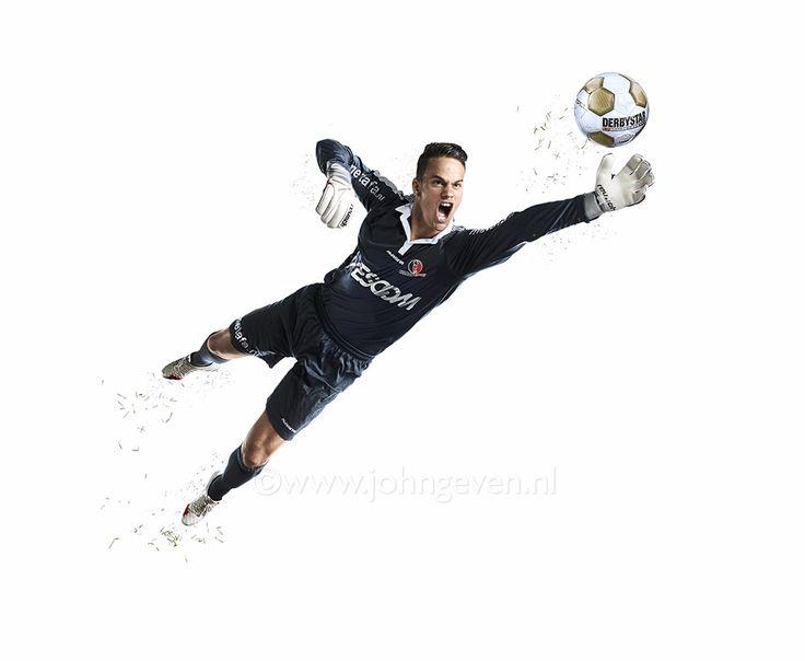 Soccer player Voetbalspeler Helmond Nederland Netherlands actiefoto kick football sport keeper dive
