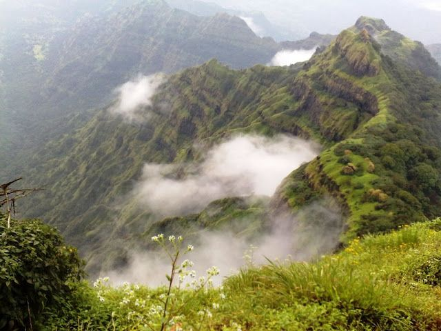 Mahabaleshwar in Western Ghats is an ideal retreat away from punishing weather of Mumbai - See more at: http://blog.indianluxurytrains.com/2013/04/top-tourist-places-in-india-to-travel-in-summer.html#sthash.7Ofpnu9g.dpuf