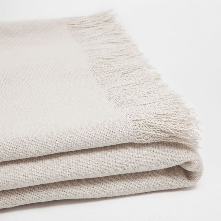 Image 1 of the product BEIGE FRINGED LINEN BLANKET