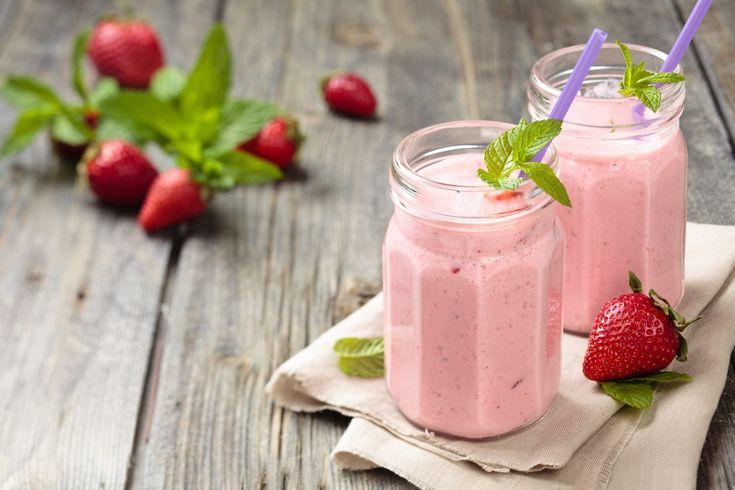 Sýte Jahodovo mangovo jogurtové smoothie