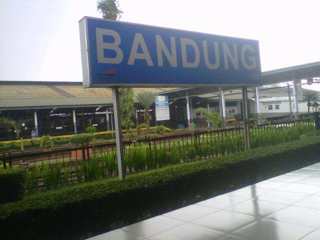 Stasiun Bandung di Bandung, Jawa Barat