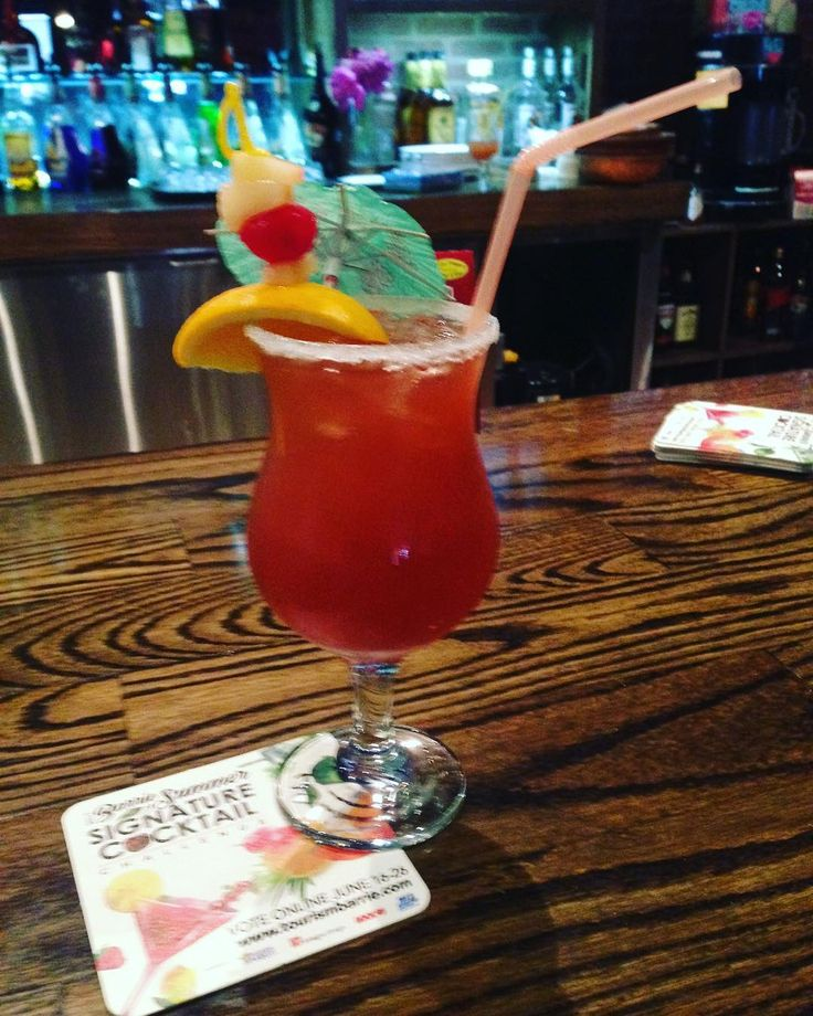 "A burst of colour & flavour can be found in drink #3, the ""Kempenfelt Breeze"" at #stickyfingers! #BarrieSummerSignature #cocktail @koolfmbarrie @rock95barrie @barrietaxiltd"