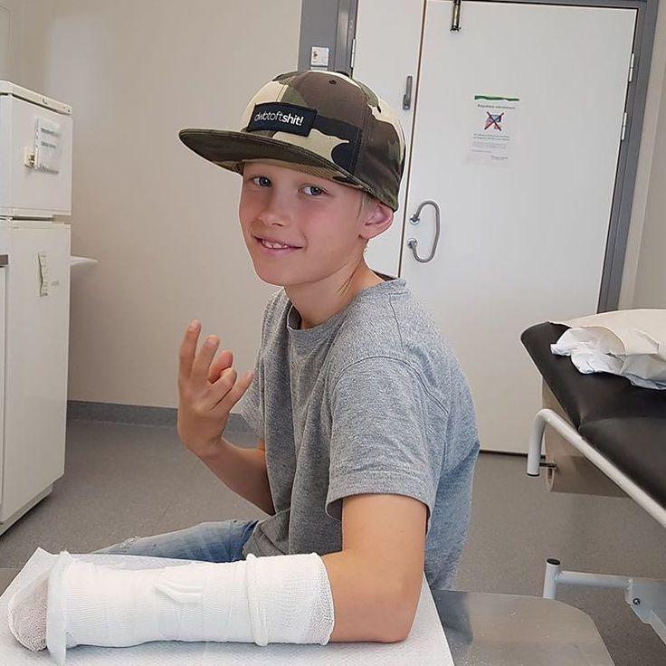 Swagin' the hospital Get well soon Alexander!  #dwbtoftshit #bmx #bmxlife #bmxrace #bmxracer #bmxracing