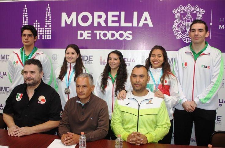Cuatro medallas, una de plata y tres de bronce, fue el balance que arrojó la representación michoacana que como parte de la selección nacional participó en el Campeonato Centroamericano y ...