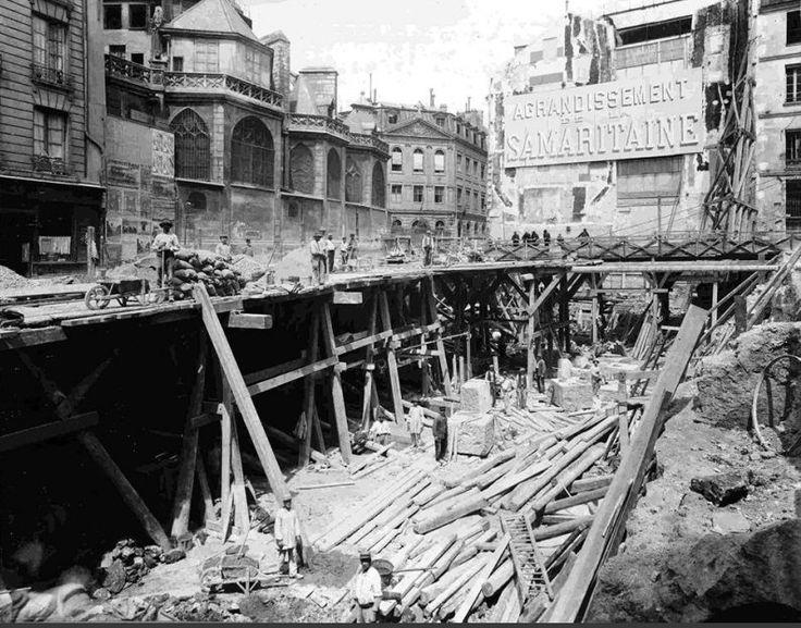L'agrandissement de la Samaritaine, en face de Saint-Germain-l'Auxerrois a conduit en 1910 à la démolition de 23 immeubles de la rue de l'Arbre-Sec. Photo © Samaritaine  (Paris 1er)