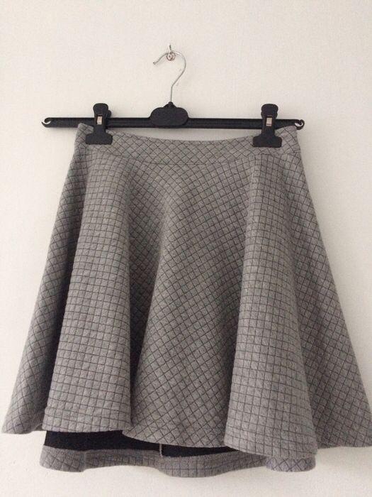 Spódnica szara XS Drywash Top Secret z mojej szafy! Rozmiar 34 / 6 / XS za 29.00 zł. Zobacz: http://www.vinted.pl/damska-odziez/spodnice/16577440-spodnica-szara-xs-drywash.
