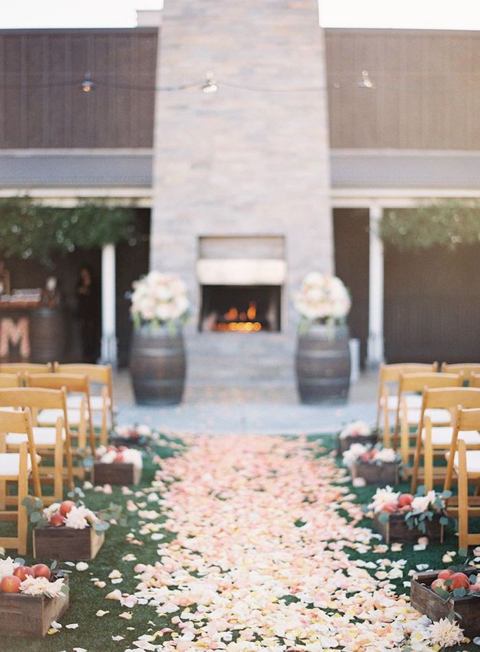 We can count on these adorably romantic wedding ideas to brighten our day this week! From vibrant floral designs to colorful decor, these lovely ideas are radiating with standout multicolored details. We've seen the prettiest wedding cakes and the most magical ceremony and reception decor! Get inspired by these hued romantic wedding ideas! Featured Event […]