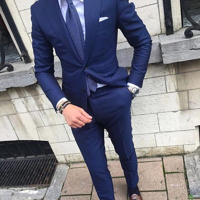 Shop quality men's fashion at www.GentlemensCrate.com (link is in bio) ! Courtesy of @geoffrynijsmans ________________________________ #suit #suits #gentlemen #gentlemens #fashion #menfashion #mensfashion #menswear #menstyle #mensstyle #menwithstyle #menwithclass #mensclothing #suitup #suitandtie #classy #tiefashion #likes #l4l #20likes #lfl #tflers #tagsforlikes #like4like #instalike #likeback #likesforlikes #likebackteam #likeall