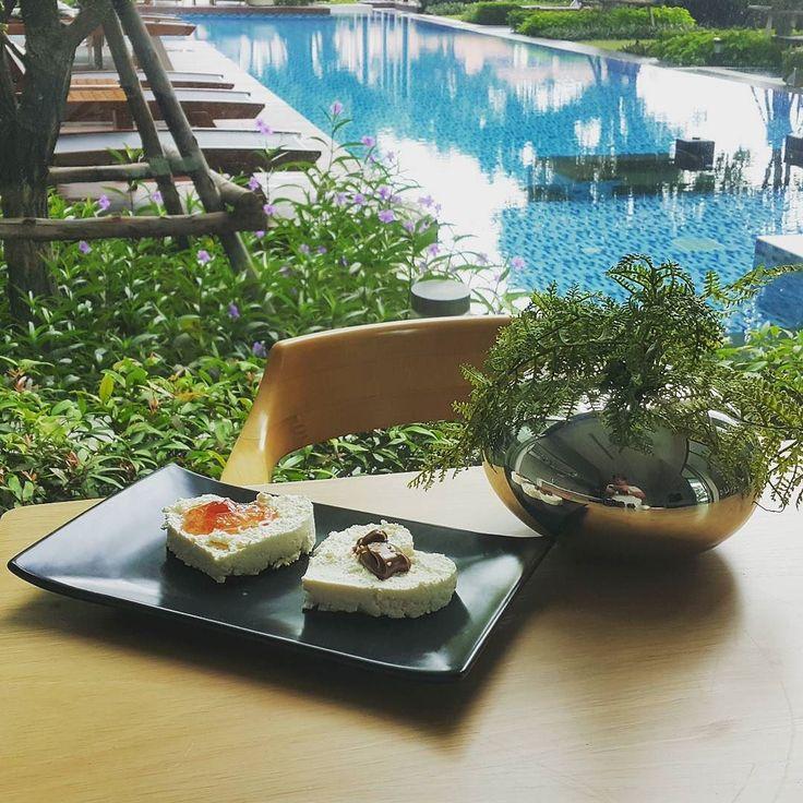 Завтрак. Сегодня тоже снимала еду.  #творог #сыр #бангкок #таиланд #еда #омномном #здороваяеда #cottagecheese #cheese #foodie #food #breakfast #proteinbreakfast #instafood #инстаеда #healthyfood #bangkok #thailand
